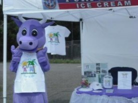photo purple cow mascot